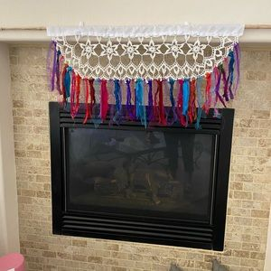 Valence or Wall decor/garland